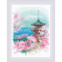 Sakura. Pagoda