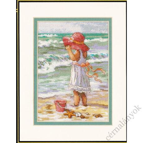 Lány a strandon - keresztszemes készlet