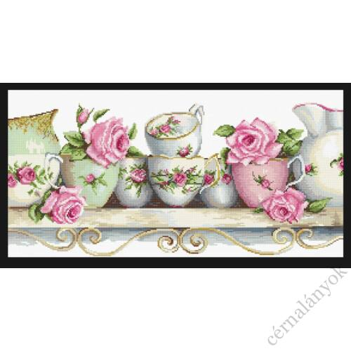 Vintage rózsás porcelánok - keresztszemes készlet