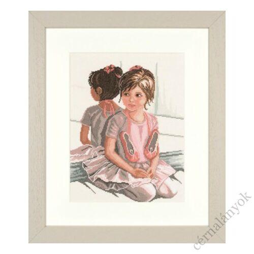 Kis balerina a tükör előtt - Lanarte keresztszemes készlet